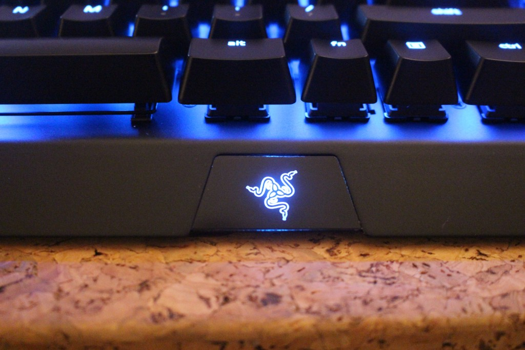 Compared to the old Blackwidow Razer has changed the design of the Blackwidow X Chroma a little bit. Gone is the massive plastic keyboard. & Tech Review: Razer BlackWidow X Chroma | GamingBoulevard
